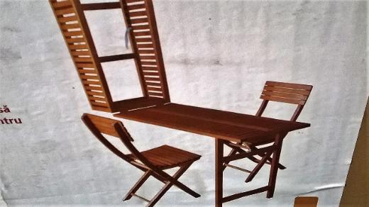 Balkonset mit ausklappbarem Tisch und 2 Stühlen