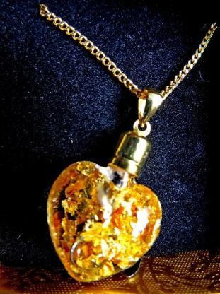 Glasherz-Anhänger (Blattgold-Füllung) mit vergoldetem Halskettchen, neu in OVP! - Diepholz