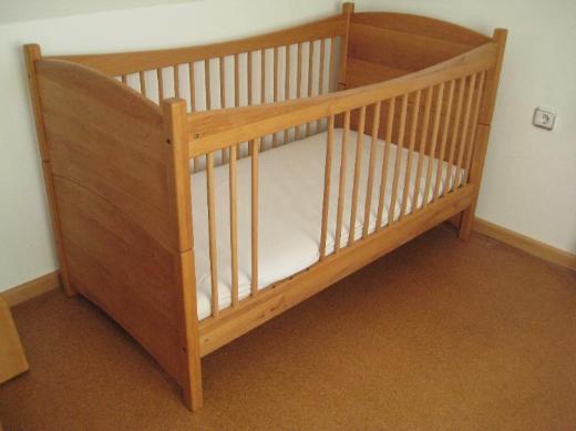 Baby-/Kinderbett aus Massivholz/Erlenholz geölt - Hude (Oldenburg)