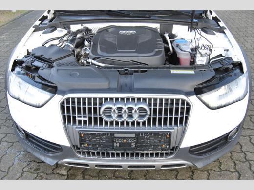 Audi A4 allroad 2.0 TDI S tronic quattro /Xenon+/Navi/AHK - Bremen