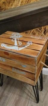 Tisch mit Hairpins,Telefontisch,maritim,Anker,Couchtisch,Tisch,Truhe,Holzkiste, Beistelltisch, Rollcontainer, Stauraum, Holztisch, Bürorodnung,Aufbewahrung,Upcycling,Bremen,Holzkiste,Holztruhe,Holzmöbel - Stuhr