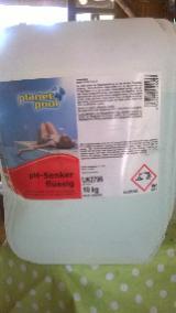 pH - Senker für Schwimmbad und Pool, flüssig im 3 L-Kanister Preis: 8 €