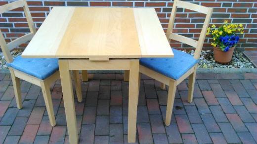IKEA Ausziehtisch + 2 Stühle + 2 Kissen+ 4 Personen + NRtierfrei - Oldenburg (Oldenburg) Bloherfelde