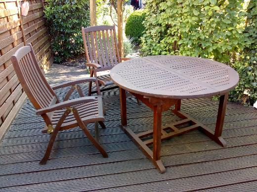 Teak Gartenmöbel, Tisch und 4 Hochlehner - Bremen