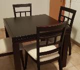 Tisch mit 6 Stühlen aus schönem massivem Holz - Bremen
