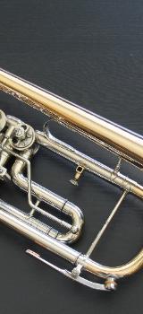 Neuwertige B & S Konzerttrompete Goldmessing inkl. Koffer - Bremen Mitte