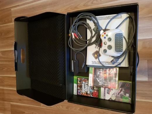 XBox 360, 120GB, W-Lan, Tastertur, mit 3 Spiele - Wagenfeld