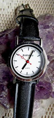 """Edelstahl-Damen-Armbanduhr """"BAHNHOF"""", Lederarmband, ungetragen, neu! - Diepholz"""