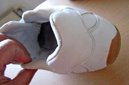 1 Paar Sneakers, weiss, Gr. 44 (eher Gr. 43!), getragen, aber gut gepflegt! - Diepholz