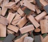 Brennholz Kaminholz getrocknet - Cloppenburg