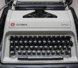 Reiseschreibmaschine im Koffer - Bremen Osterholz