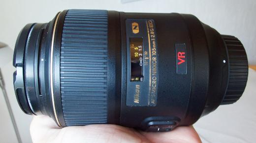 Nikon AF-S VR Micro Nikkor 105mm f/2.8g IF ED Makroobjektiv