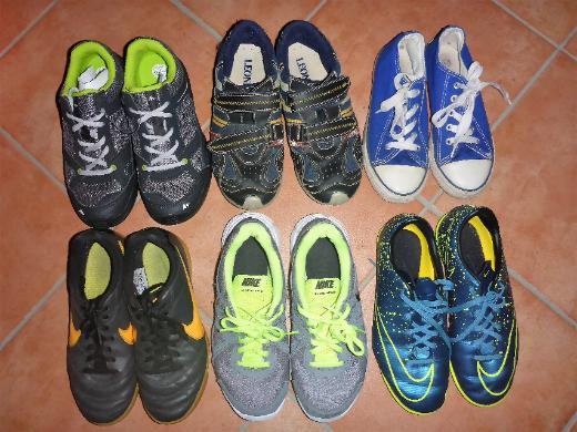 Sneaker, Hallen-Sportschuhe Nike, Klettschuhe 33, 35, 36 ab 3€