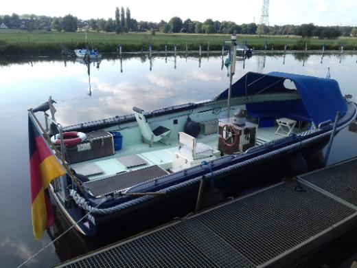 Tuckerboot