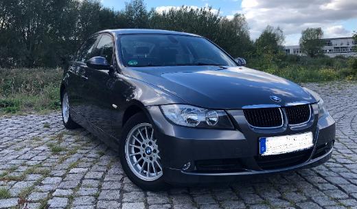 BMW 320i *Schiebedach*Tempom.*Sitzheiz.*6 Gang G.*PDC*