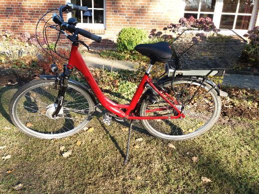 Rotes E-Bike 28 Zoll 7 Gang umständehalber zu verkaufen