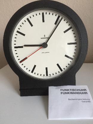 Funk-Tischuhr – Bahnhofsuhr - Bremen