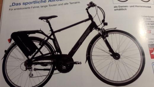 Trekking E Bike schwatz matt