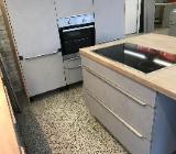 Sofort verfügbar Beton Insel Küche Einbauküche mit Geräte - Bremen