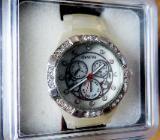 Zum Valentinstag: Modische Damen-Marken-Armbanduhr (perlmuttfbg.) mit Giederarmband, neu in Box! - Diepholz