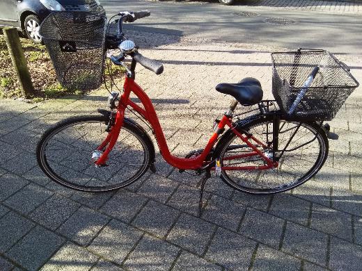 Citybike mit tiefem Einstieg 26'' rot/schwarz von H.P. Jakst, Osterholz, neuwertig