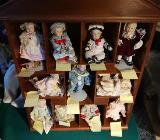 Yolanda Bello 11x Ashton-Drake Puppe Gallerie im Holzschaukasten - Weyhe