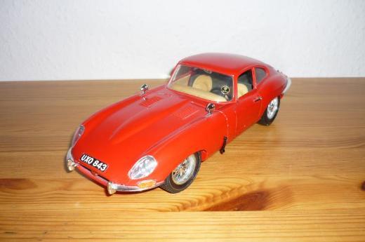 Bburago Jaguar E 1961 (1:18)