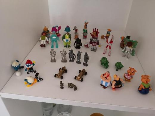 Über 1100 Ü-ei Figuren und eine Menge Spielzeug - Bremen