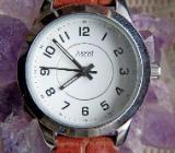 Edelstahl-Damen-Marken-Armbanduhr mit Lederarmband, Batterie neu, Zustand neuwertig! - Diepholz