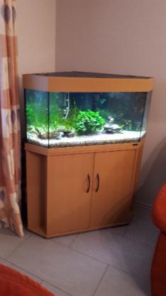 Eckaquarium mit Unterschrankt von Juwel, ca. 150 Liter