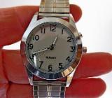 Top Damen-Edelstahl-Armbanduhr, Hintergrundbeleuchtung, FLEXO-Armband - Neu! - Diepholz