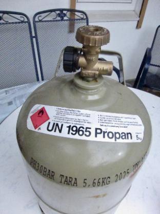 Propangasflasche grau 5kg mit Schutzkappe - Bremen