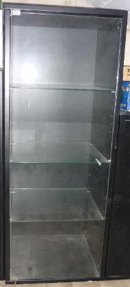Schrank mit Glastür und Glasböden (113x38x45cm)
