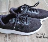 Nike Tanjun Gr. 37,5 5Y 4,5 schwarz / weiß - Bremen