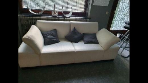Verschiedene Sofas preiswert zu verkaufen - Dötlingen