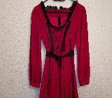 weinrotes Kleid mit Brustschnürung, Faltenwurf und Applikationen - Hambergen