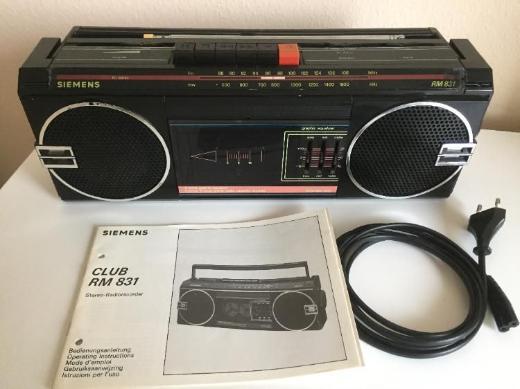Siemens RM-831 Stereo Radio Recorder - Bremen