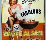 Blechschild Smoke Alarm - Pin Up Girl - 33x25 cm - Scheeßel