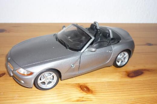 """Bburago """"BMW Z4"""" 1:18"""
