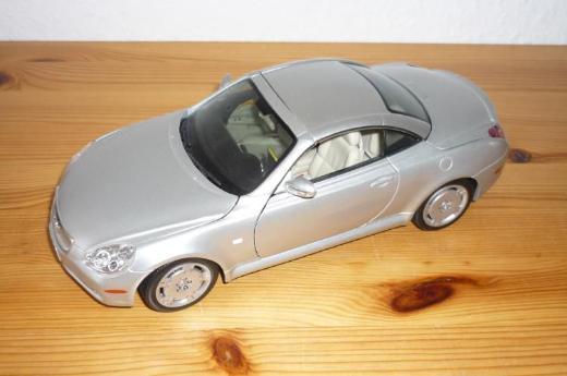 """Bburago """"Lexus SC430"""" 1:18"""