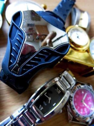 """Uhren-Konvolut (1 Taschenuhr), Marken u. """"No Name"""" evtl. an Bastler, Uhrmacher!? - Diepholz"""