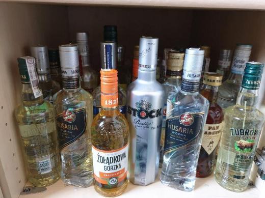22 Wodka Flaschen zu verkaufen - Großenkneten
