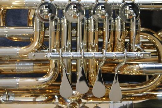 Miraphone 496 Hagen 5/4 Tuba in BBb aus Goldmessing inkl. Miraphone Gigbag. Neuware - Bremen Mitte