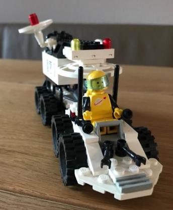 "LEGO Serie in""Light&Sound"" Lunar Transporter Patroller - Weyhe"