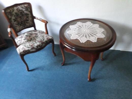 Chippendale Garnitur  Sessel mit  Lese Tisch - Bremervörde