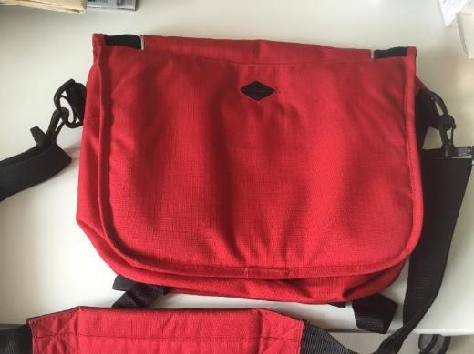 Eastpak Messenger Tasche - Bremen