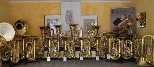 Cervený Arion Goldmessing - Tuba CBB 783-4R mit Koffer - Bremen Mitte