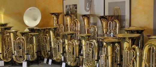 Cerveny Arion Tuba in B, Mod. CBB 683-4R mit Neusilberkranz und Koffer, Neuware - Bremen Mitte