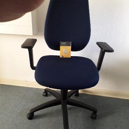 Schreibtischstuhl, Drehstuhl SHAPE BY DAUPHIN, blau/schwarz
