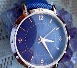Ungetragene, modische Damen-Armbanduhr, Kristalle, Kunstleder-Armband - Neu - Diepholz